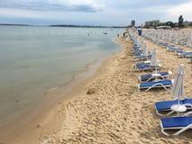 Vreedzame het strandparaplu's van Bulgarije Royalty-vrije Stock Fotografie