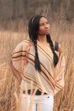 Vreedzame Jonge Vrouw op Gebied Stock Foto