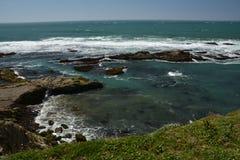 Vreedzame kustenindrukken van het Licht van de Puntarena, Californië de V.S. stock foto's