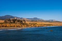 Vreedzame Kustlandschap langs Weg 1 van Californië, dichtbij Santa Barbara, de zomer, de V.S. royalty-vrije stock foto