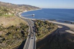 Vreedzame Kustweg en Malibu Pier Aerial Stock Fotografie