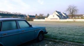 Vreedzame ochtend in tranditional Nehterlands stad-Uithoorn. Stock Foto
