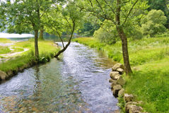 Vreedzame rivierscène stock fotografie