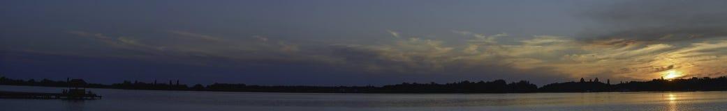 vreedzame zonsondergang over mystieke Palic, Royalty-vrije Stock Foto