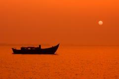 Vreedzame zonsondergangnacht stock afbeeldingen