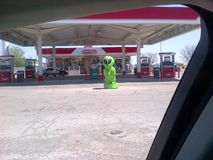 Vreemd Roswell New Mexico Conoco Gas-Postonthaal Stock Foto's