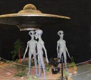 Vreemd tentoongesteld voorwerp bij Internationaal UFOmuseum en Onderzoekscentrum in Roswell Stock Foto's