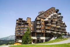 Vreemde houten gebouwen in Avoriaz, Frankrijk Stock Foto