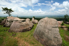 Vreemde rotsstapels. stock afbeeldingen