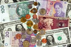 Vreemde valutaclose-up van geld Internationale munten Stock Afbeeldingen