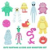 Vreemdelingen en monsters de vectorreeks van de beeldverhaalstijl Stock Foto's