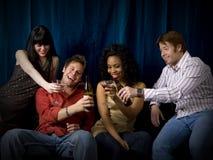 Vrienden bij club stock foto