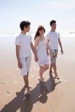 Vrienden bij het strand Royalty-vrije Stock Fotografie