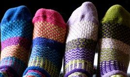 Vrienden met sokken Stock Foto's