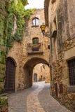 Vrienden middeleeuws dorp royalty-vrije stock afbeelding