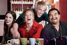 Vrienden op een Algemene Vergadering van de Koffie Stock Afbeelding