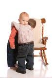 Vrienden twee kleine jongens Stock Afbeeldingen