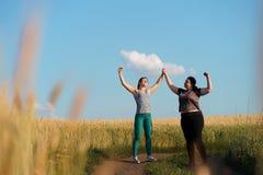 Vriendschap, motivatie, groepstraining, gewichtsverlies royalty-vrije stock fotografie