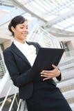 Vrij Afrikaanse Amerikaanse BedrijfsVrouw stock fotografie