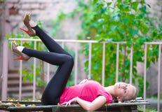 Vrij blond meisje Stock Foto's