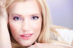 Vrij blonde vrouw Royalty-vrije Stock Afbeeldingen