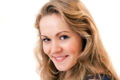 Vrij het blonde meisje glimlachen Royalty-vrije Stock Fotografie