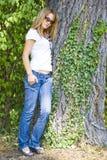 Vrij het jonge vrouw stellen royalty-vrije stock foto's