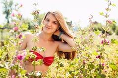 Vrij jonge vrouw en mallows Royalty-vrije Stock Afbeeldingen