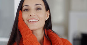 Vrij jonge vrouw met een schitterende glimlach Royalty-vrije Stock Foto