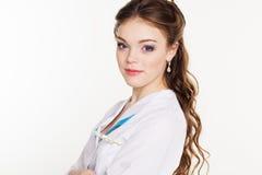 Vrij jonge vrouwelijke arts met thermometer Stock Afbeeldingen