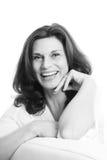 Vrij rijp die vrouwengezicht over witte achtergrond wordt geïsoleerd Royalty-vrije Stock Afbeeldingen