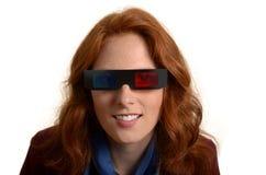 Vrij roodharige vrouw met 3D glazen royalty-vrije stock afbeelding