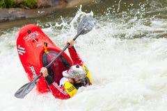 Vrij slag Kayaker stock foto