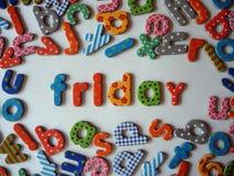 Vrijdagbanner met kleurrijke kleine letters stock afbeelding