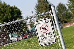 Vrije de schoolstreek van de drug en van het kanon stock afbeeldingen