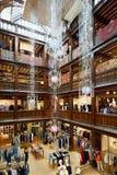 Vrijheid, het binnenland van het luxewarenhuis in Londen Stock Afbeeldingen