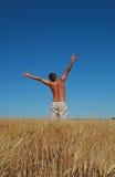 Vrijheid, mens het springen Royalty-vrije Stock Fotografie