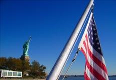 Vrijheid van de boot met de vlag van de V.S. royalty-vrije stock afbeelding