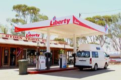 Vrijheidsbenzinestation in Hyden, Westelijk Australië Stock Afbeeldingen