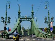 Vrijheidsbrug in Boedapest een populaire toeristische attractie royalty-vrije stock foto's