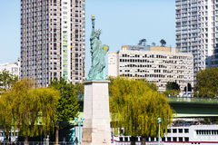 Vrijheidsstandbeeld in Parijs Royalty-vrije Stock Afbeelding