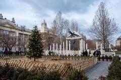 Vrijheidsvierkant Monumenten aan slachtoffers van Duits en Hongaars Nazisme royalty-vrije stock foto