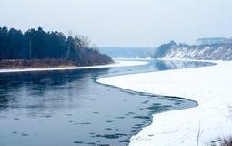 Vrillage de la rivière. Photos stock