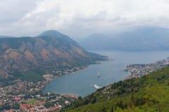Vrmac berg och fjärd av Kotor Montenegro Royaltyfri Foto