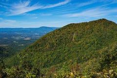 Vroeg Autumn View van de de Blauwe Ridge Mountains, Shenandoah-Vallei en Allegheny-Bergen royalty-vrije stock foto
