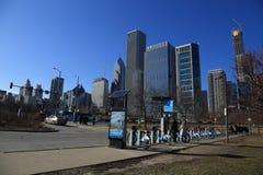 Vroeg de lente architecturaal landschap van Meer Chicago stock foto's