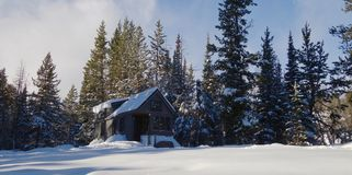 Vroeg de Winter Uiterst klein Huis Royalty-vrije Stock Afbeelding