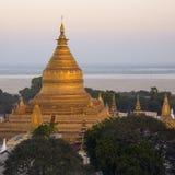 De Pagode van Shwezigon - Bagan - Myanmar Royalty-vrije Stock Foto's