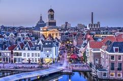 Vroege avond in Leiden stock foto