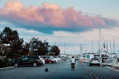 Vroege ochtend bij de haven dageraad royalty-vrije stock foto's